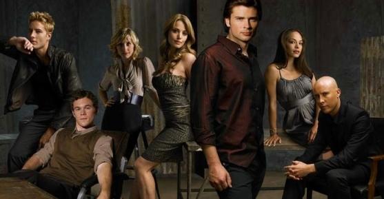 The-Smallville-Cast-smallville-1295064-696-362